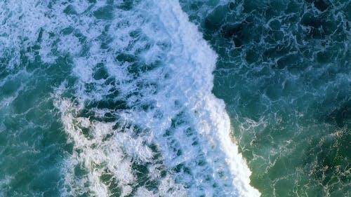 Big Waves Of The Sea