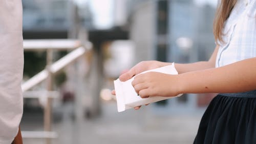 Video Of People Using Wet Wipes To Sanitize Their Hands