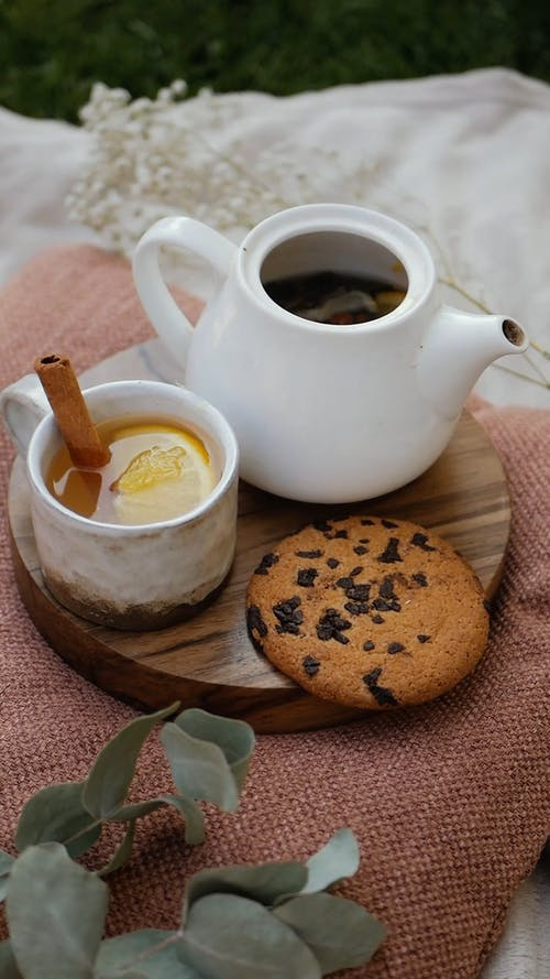 Honey Lemon Tea With Cockie