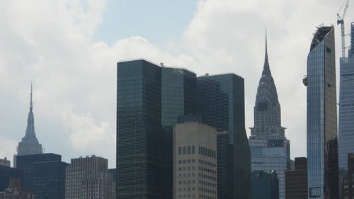 The New York City Skyline In A Time Lapse Video