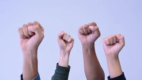 Video Von Leuten, Die Faust Hand Geste Tun