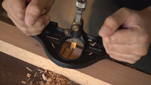 Spacing A Wood Using A Wood Shaver