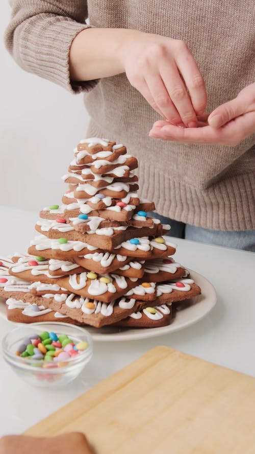 Decorating Star Shaped Cookies