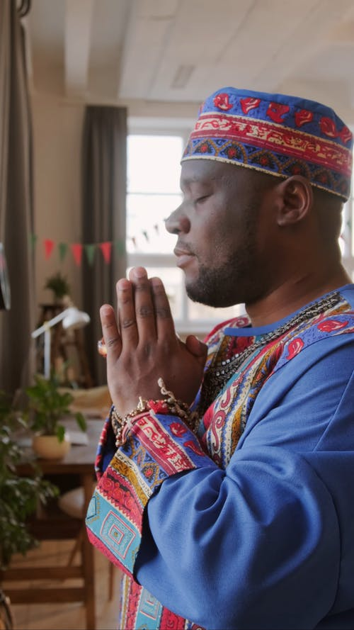 Video Of Man Praying