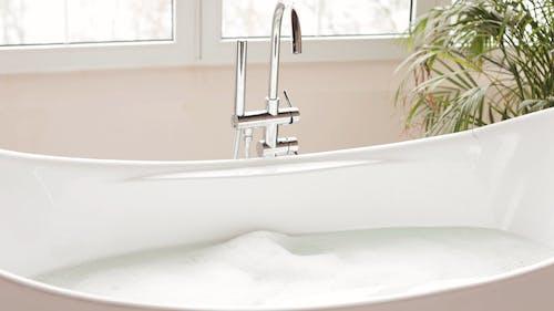 Soap Bubbles in a Bathtub