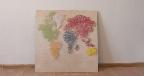 Map Illustration Using Strings