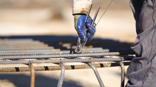 Securing Steel Rods with Metal Wire