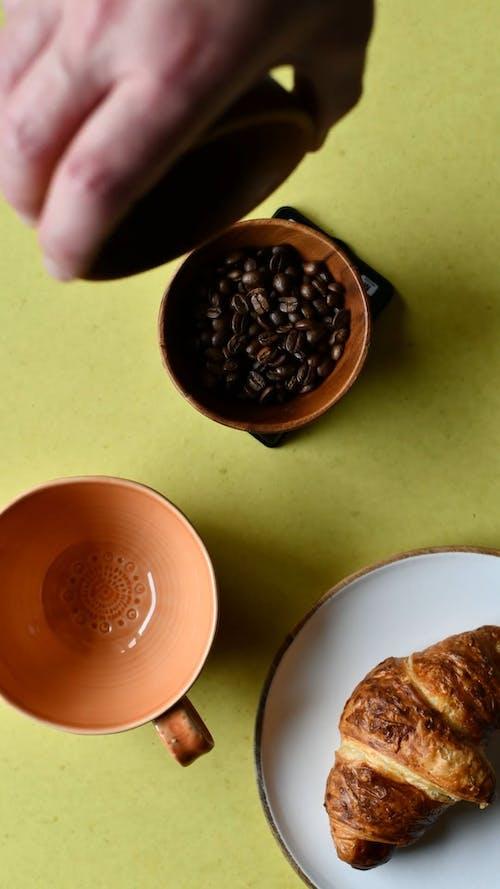 Timelapse of Making Coffee using Chemex