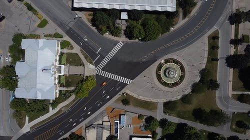 Bird's-Eye View of a Three-way Junction