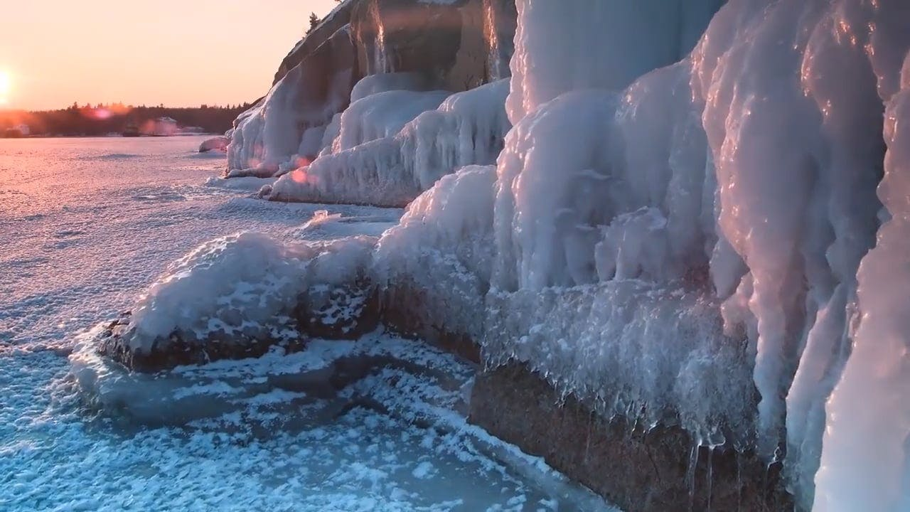 Timelapse of a Cold Winter Day