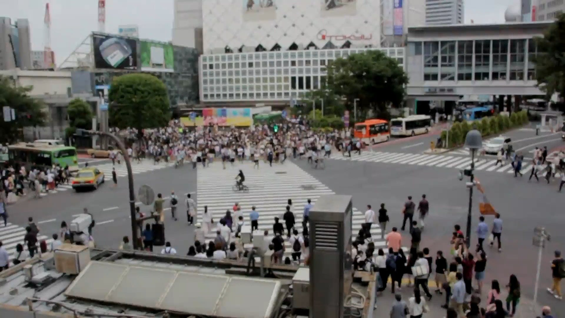 Time Lapse Video Of People Crossing The Street