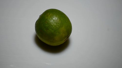 Slicing Green Lime